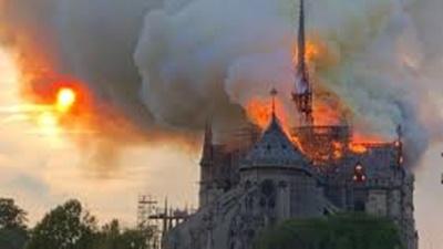 ノートルダム大聖堂、焼失