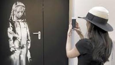 バンクシーの作品、パリで盗まれる