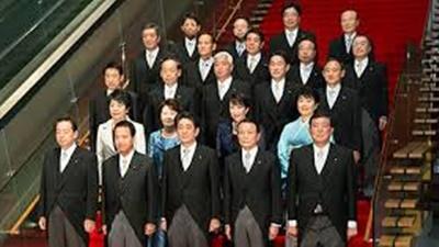 安倍首相、大規模内閣改造